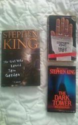 Photo three Stephen King books